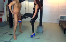 She puts so much energy in ballbusting